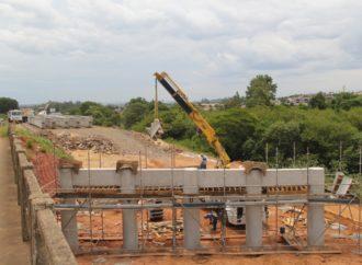 Obra de viaduto provoca alterações no trânsito da ERS-118, em Sapucaia do Sul