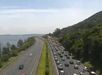 Mais de 100 mil veículos devem voltar do Litoral nas próximas horas