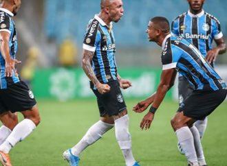 Everton salva o Grêmio e vira maior artilheiro da Arena