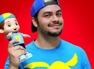 Boneco do youtuber Luccas Neto é o segundo brinquedo que mais faturou em 2019
