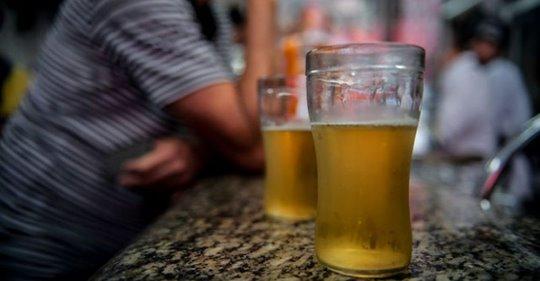 Prefeitura de Porto Alegre diz que não tem posição definida sobre a proibição do consumo de bebidas alcoólicas em locais públicos
