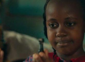 Atriz que atuou em 'Rainha de Katwe', morre aos 15 anos
