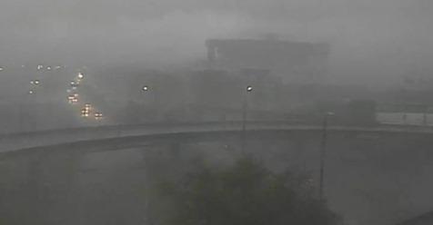 Após calorão de 39,3°C, temporal atinge Porto Alegre neste sábado, vejam o vídeo