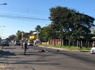 Jovem que morreu em colisão, em Canoas, conduzia moto em alta velocidade e fazia manobras perigosas