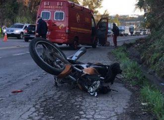 Motociclista morre após colidir em carro na ERS-122, em Farroupilha