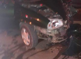 Colisão frontal entre dois veículos na RS 030 em Gravataí