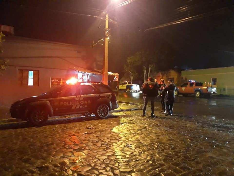 Fiscalização integrada esteve vigilante na primeira noite de lockdown em Alegrete - Hora da Noticia RS