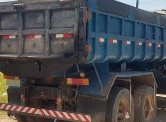 TRAGÉDIA: Menina morre atropelada por caminhão dirigido pelo próprio pai