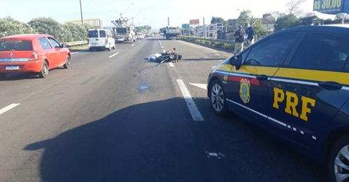 Motociclista morre após colisão com caminhão na BR-116