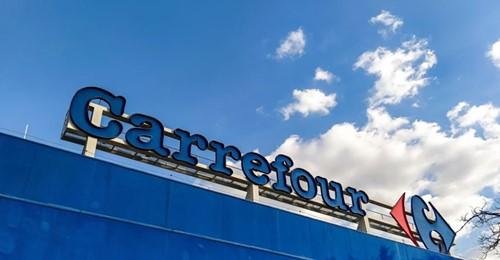 Após homem ser morto por seguranças, Carrefour diz que romperá contrato com empresa terceirizada.