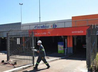 Hipermercado reabre após morte e protestos em Porto Alegre