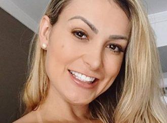 """Andressa Urach mostra pele após remover tatuagens: """"Não ficou nem cicatriz"""""""