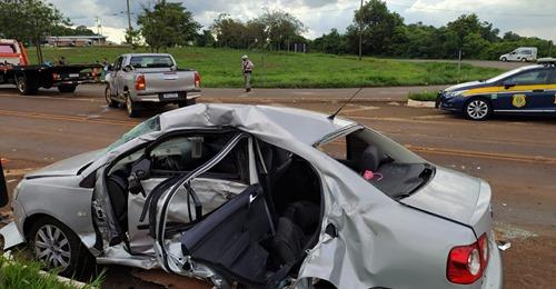 Três pessoas morrem em acidente entre carro e caminhonete na BR-472, na Região Noroeste do RS