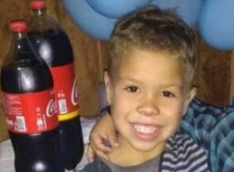 Criança de 6 anos morre após cair em buraco
