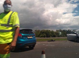 Mulher morre em acidente na Freeway
