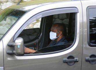 Não há multa de trânsito por dirigir sem máscara, afirma Detran