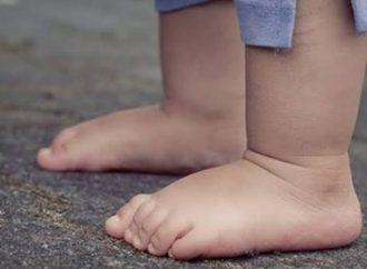 Criança de onze meses morre após sofrer choque elétrico