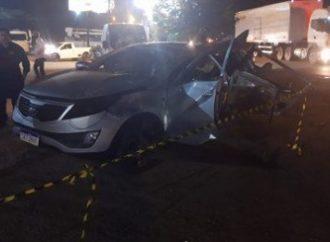 Mulher e criança morrem em colisão entre carro e caminhão na RS-240