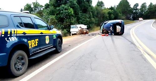 Acidente de trânsito deixa um morto e dois feridos na BR-116. Saiba mais: