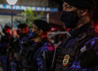 Guarda Municipal interdita estabelecimento e detém mulher que fazia pichação na Orla do Guaíba. Saiba mais: