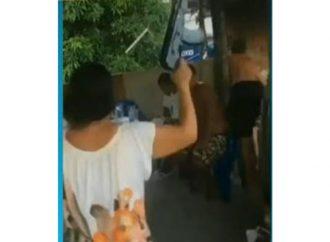 VÍDEO FAKE: Mãe de jovem morto no Jacarezinho posa com fuzil na mão em festa