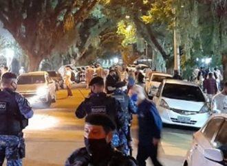 Madrugada marcada por baile funk e aglomerações nas ruas de Porto Alegre