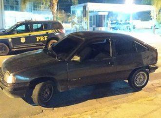 PRF prende detento com tornozeleira eletrônica e recupera veículo