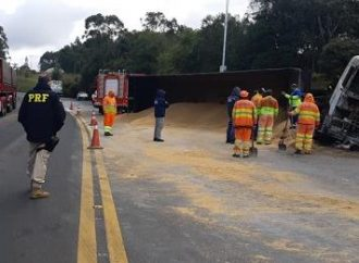 PRF confirma duas mortes em carro que pegou fogo após acidente
