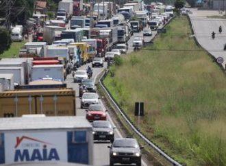 Caminhoneiros começam a se organizar para parar nas próximas semanas