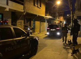 """Gerente do tráfico de Cachoeirinha e funcionário do """"Véio Cabeça"""" é preso"""