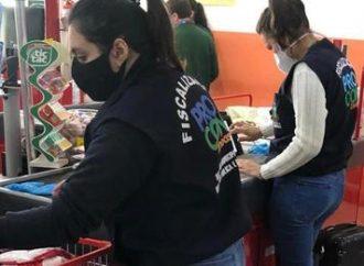 Supermercado de Canoas é flagrado vendendo produtos estragados e vencidos